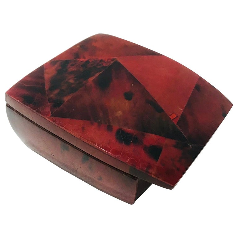 Vintage R&Y Augousti Trinket Box in Mosaic Red and Black Pen-Shell, circa 2000 For Sale