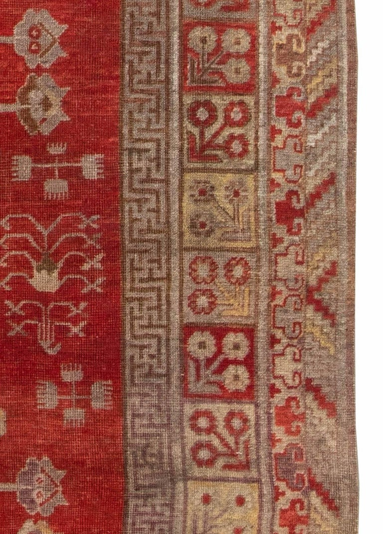 Mid-Century Samarkand Red & Gray Handwoven Wool Rug In Good Condition For Sale In New York, NY
