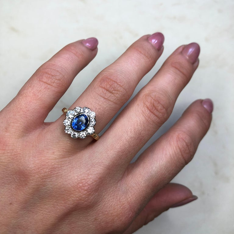 Vintage Sapphire and Diamond 18 Carat Gold Cluster Ring 2