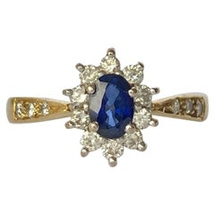 Vintage Sapphire Diamond 18 Carat Yellow Gold Cluster Ring
