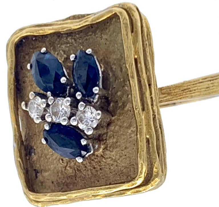 Vintage Sapphire Diamond 18 Karat Yellow Gold White Gold Fashion Cocktail Ring For Sale 1