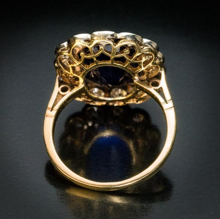 Vintage Sapphire Diamond Engagement Ring In Excellent Condition For Sale In Chicago, IL