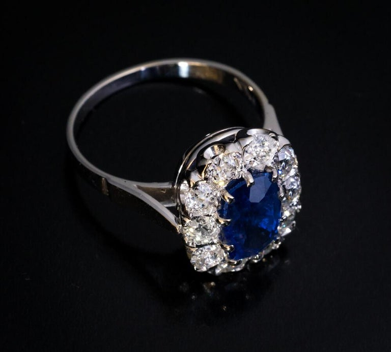 Vintage Sapphire Diamond Gold Engagement Ring For Sale 1