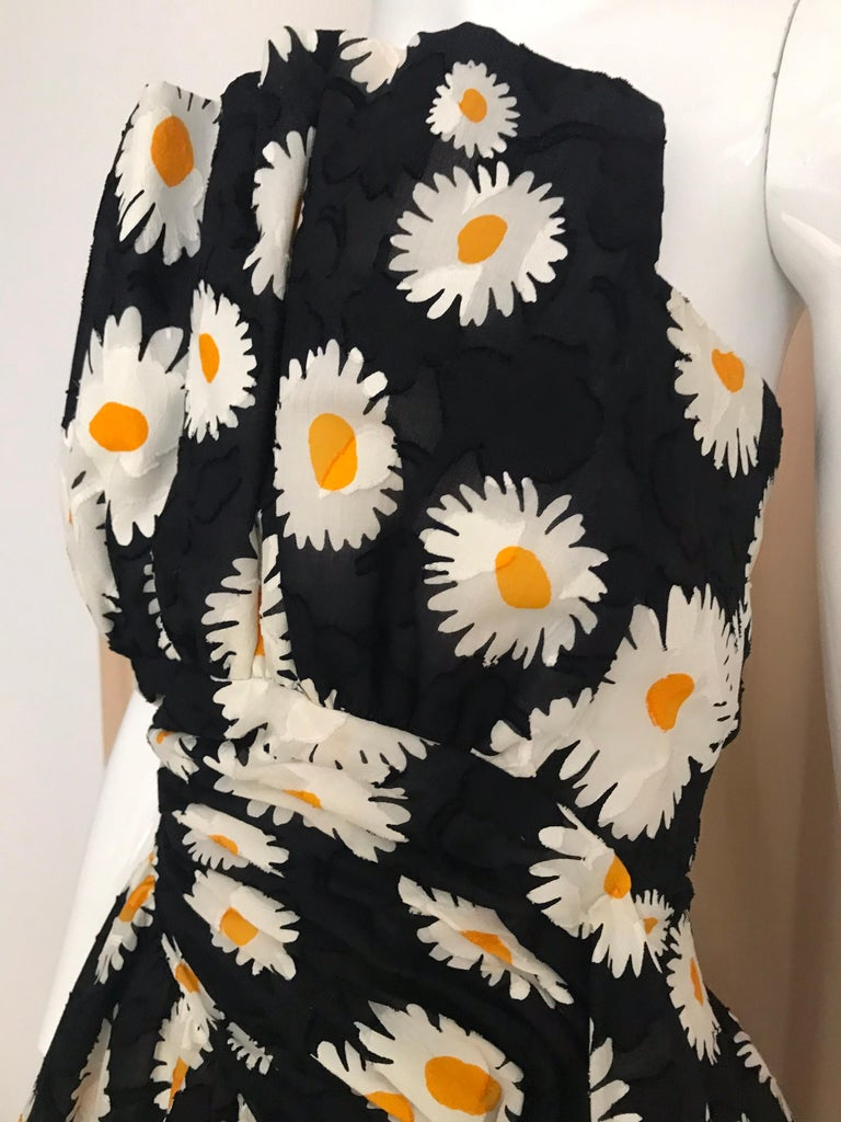 Vintage Arnold Scaasi strapless black and yellow Daisy print cocktail Dress. Size: 6 Bust: 35.5  inches / Waist 30 inches