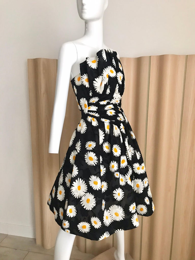 Vintage Scaasi Daisy Print Strapless Cocktail Dress In Good Condition For Sale In Beverly Hills, CA