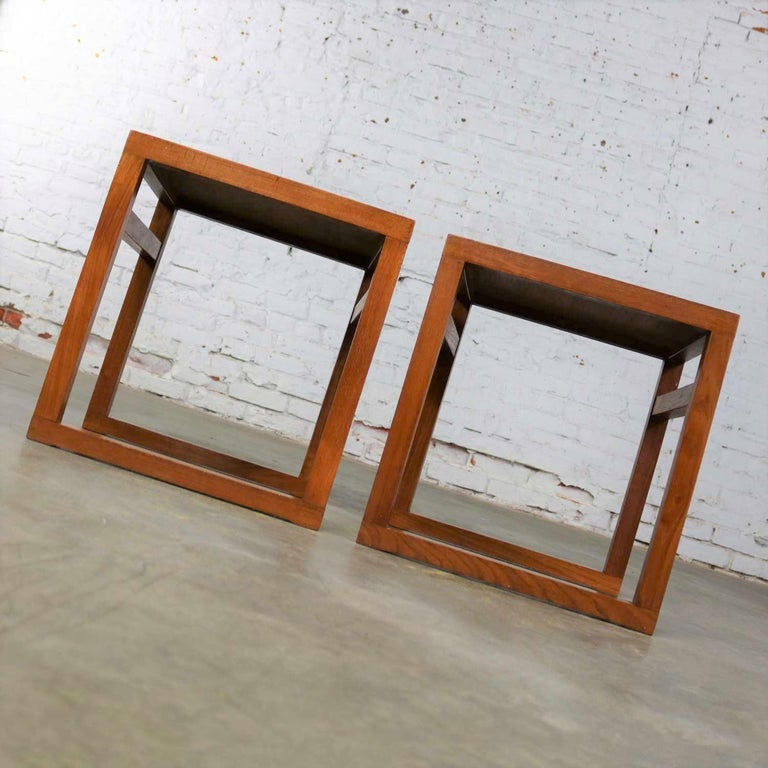 Vintage Scandinavian Modern Pair of Square Open Cube Side Tables in Teak For Sale 5