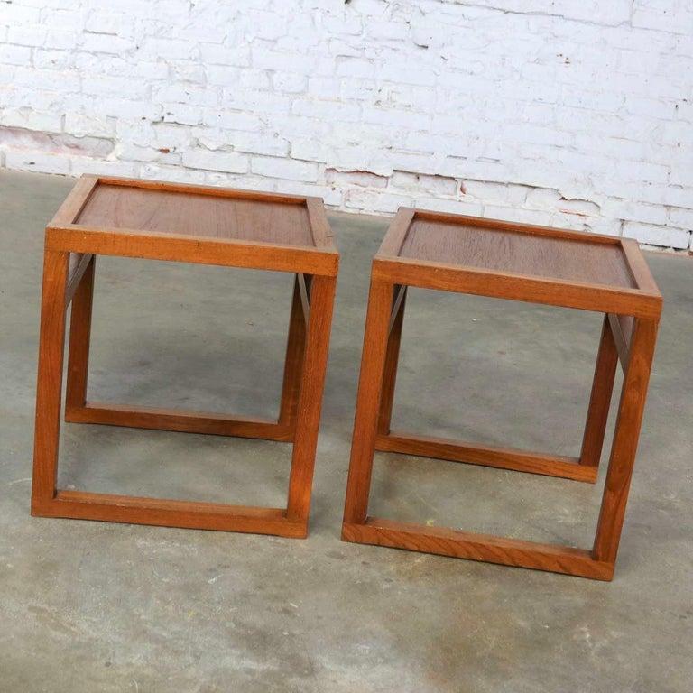 Vintage Scandinavian Modern Pair of Square Open Cube Side Tables in Teak For Sale 3