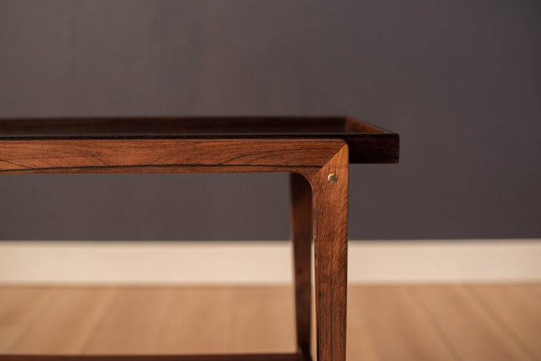 Vintage Scandinavian Rosewood Two-Tier Serving Bar Cart In Good Condition In San Jose, CA