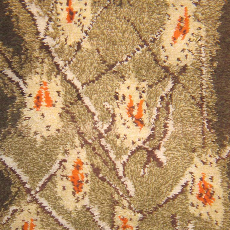 Vintage Rya rug, origin: Finland, circa mid-20th century. Size: 3 ft 6 in x 5 ft (1.07 m x 1.52 m)  Here is a particularly beautiful vintage carpet, a midcentury Scandinavian rug, characterized by a distinct and exciting composition and an