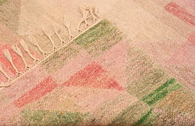 Vintage Scandinavian Swedish Kilim Rug. 4 ft x 8 ft 3 in In Excellent Condition For Sale In New York, NY