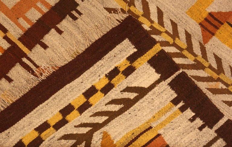 20th Century Vintage Scandinavian Swedish Kilim Rug. 6 ft 10 in x 9 ft 2 in For Sale