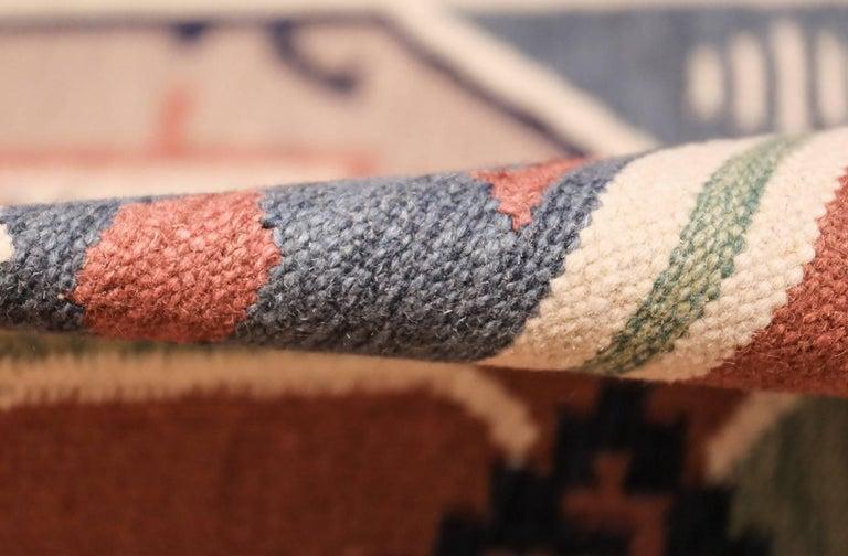 Wool Vintage Scandinavian Swedish Kilim Rug. Size: 4 ft 8 in x 6 ft 6 in For Sale