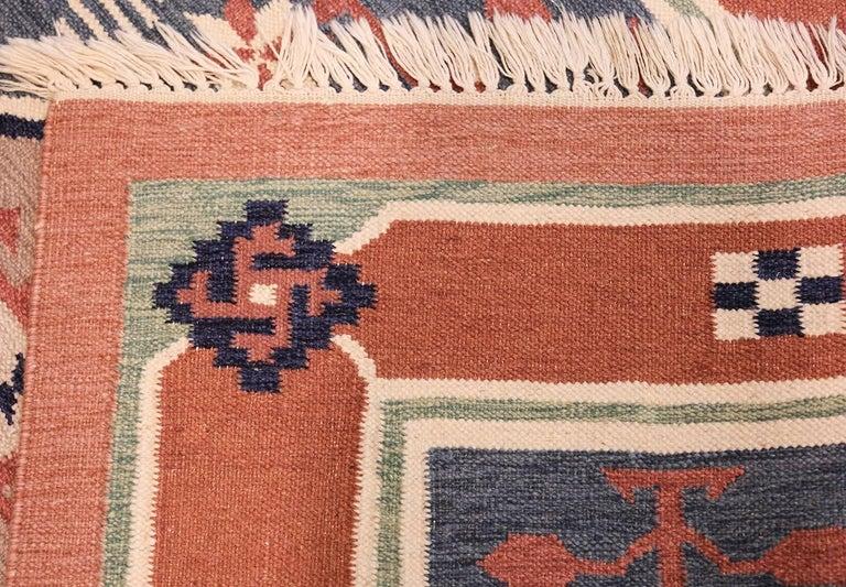Vintage Scandinavian Swedish Kilim Rug. Size: 4 ft 8 in x 6 ft 6 in For Sale 1