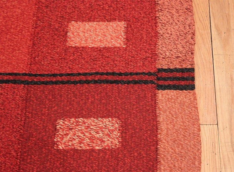 Vintage Scandinavian Swedish Kilim rug, country of origin: Scandinavia, circa date mid-20th century. Size: 4 ft 9 in x 7 ft 4 in (1.45 m x 2.24 m)