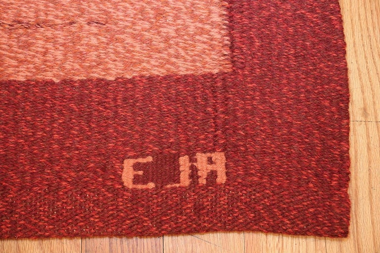 Hand-Woven Vintage Scandinavian Swedish Kilim Rug. Size: 4 ft 9 in x 7 ft 4 in For Sale