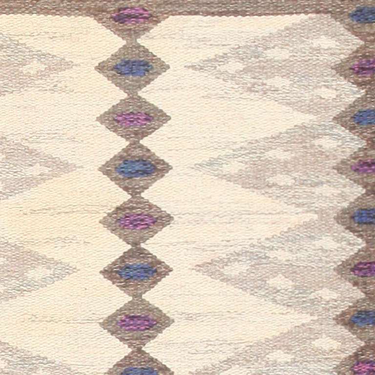 Hand-Woven Vintage Scandinavian Swedish Kilim Rug. Size: 6 ft 4 in x 8 ft 3 in For Sale