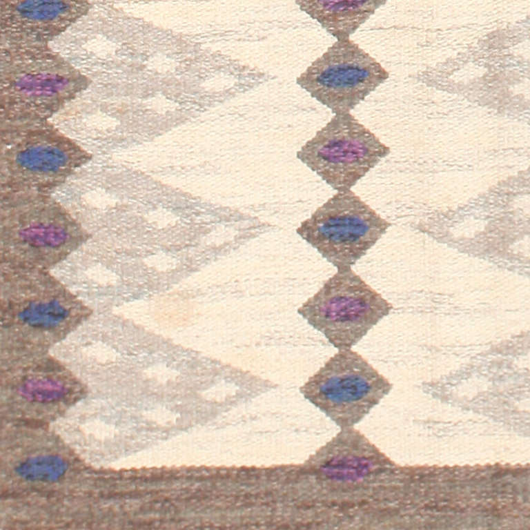 20th Century Vintage Scandinavian Swedish Kilim Rug. Size: 6 ft 4 in x 8 ft 3 in For Sale