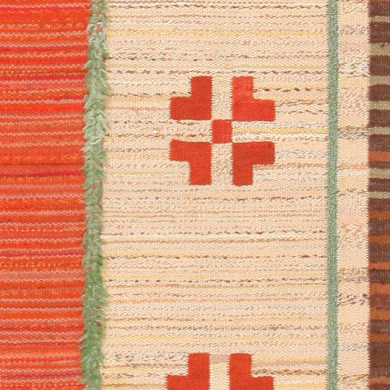 Vintage Scandinavian Swedish Kilim. Size: 7 ft 10 in x 12 ft (2.39 m x 3.66 m) In Excellent Condition For Sale In New York, NY