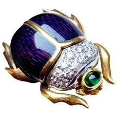 Vintage Scarab in 18 Karat Gold with Diamonds, Emerald and Enamels