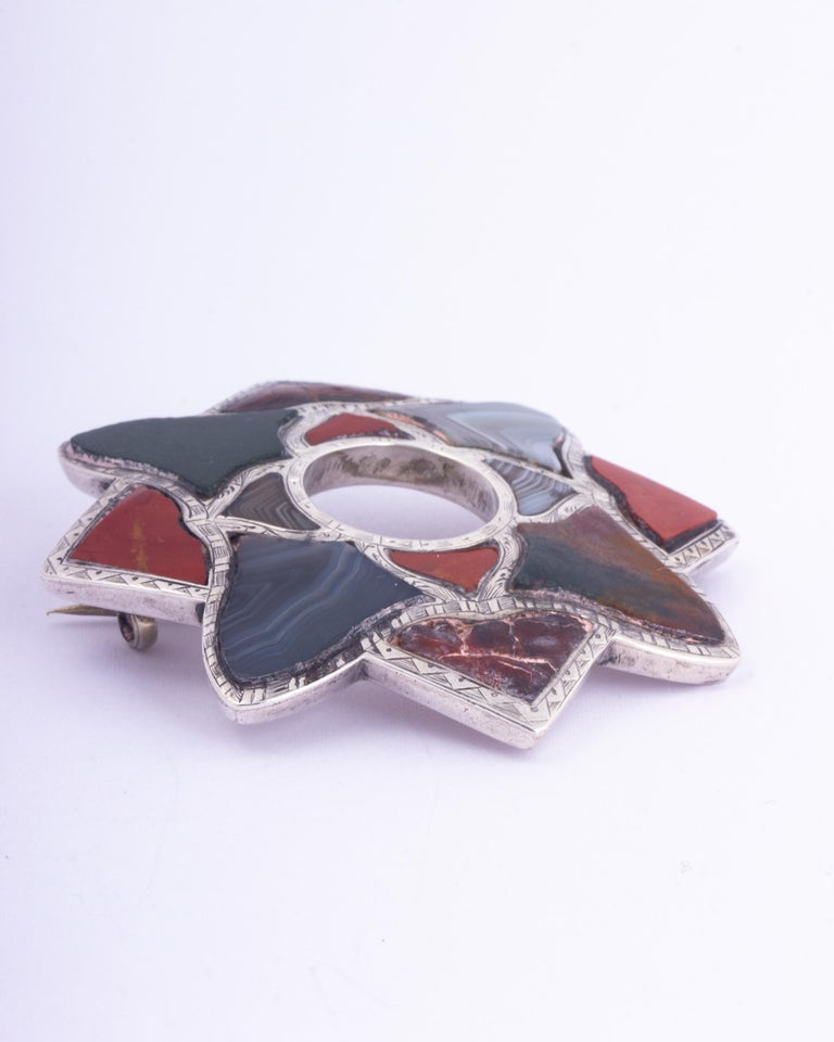 Uncut Vintage Scottish Agate and Silver Brooch For Sale