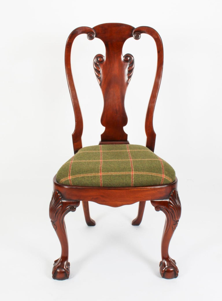Vintage Set 12 Queen Anne Revival Mahogany Dining Chairs, Mid 20th Century In Good Condition For Sale In London, GB