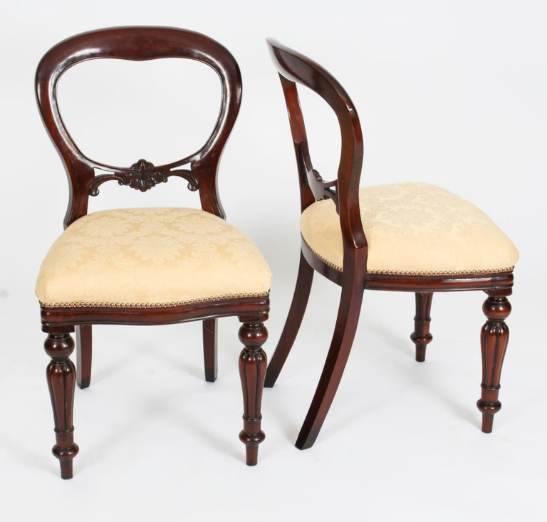 Vintage Set 14 Victorian Revival Balloon Back Dining Chairs 20th C For Sale 5