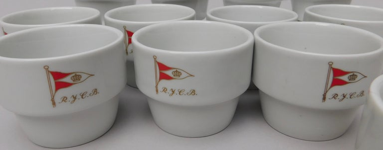 Vintage Set of 12 Royal Yacht Club Belgium Cups In Good Condition For Sale In Antwerp, BE