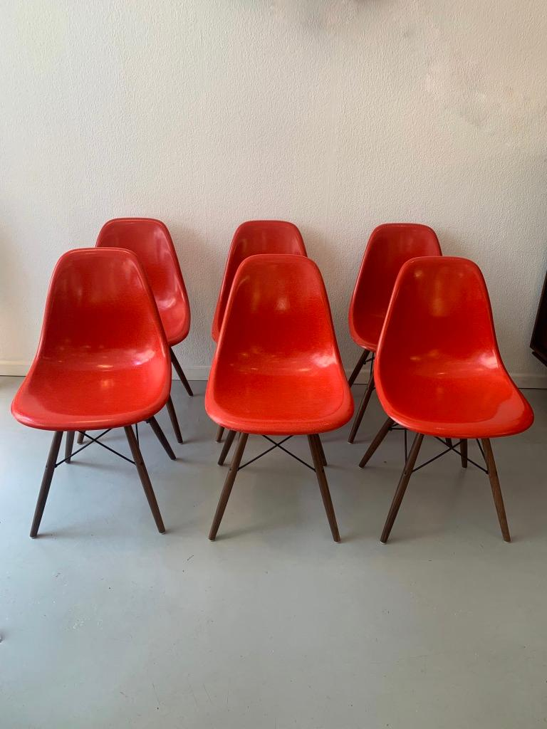Vintage Set of 6 Cherry Red Fiberglass Dowel Chairs by Charles & Ray Eames For Sale 1