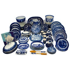 Vintage Set of Blue Willow China Service 117 Pieces