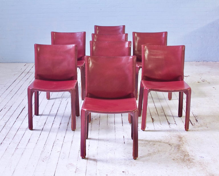 Mid-Century Modern Vintage Set of Eight Bordeaux Leather 412 Cab Chairs by Mario Bellini, 1977 For Sale