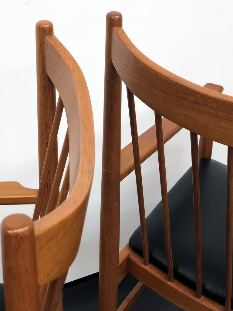 Danish Modern Set of Six Plus One Teak Spindle Back Dining Chairs  Arne Vodder  For Sale 7