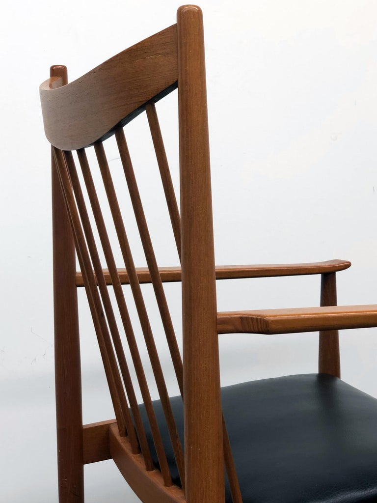 Danish Modern Set of Six Plus One Teak Spindle Back Dining Chairs  Arne Vodder  For Sale 11