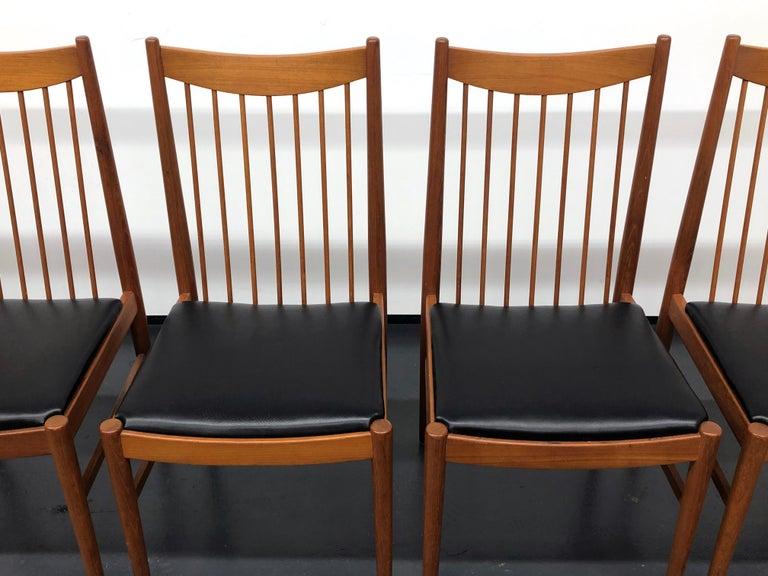 Vintage Set of Seven Teak Spindle Back Dining Chairs by Arne Vodder for Sibast For Sale 1