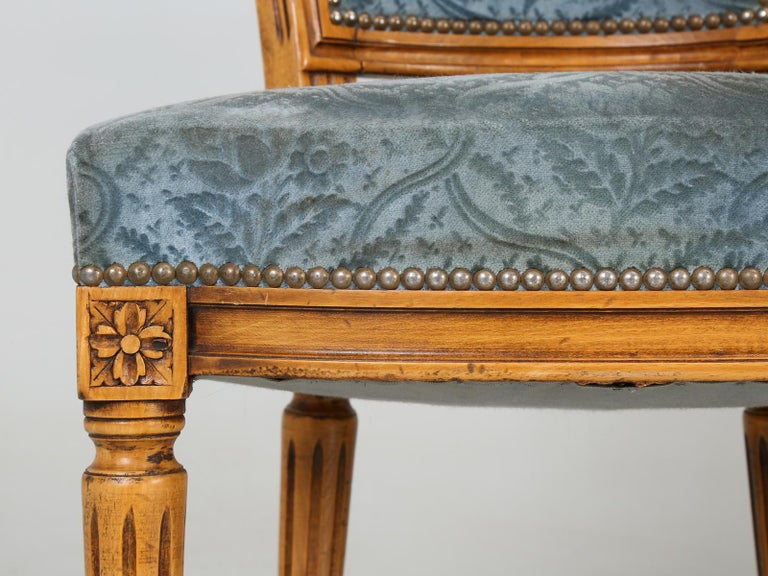 Vintage Set of Six Louis XVI Style Dining Side Chairs in Old Fabric For Sale 3