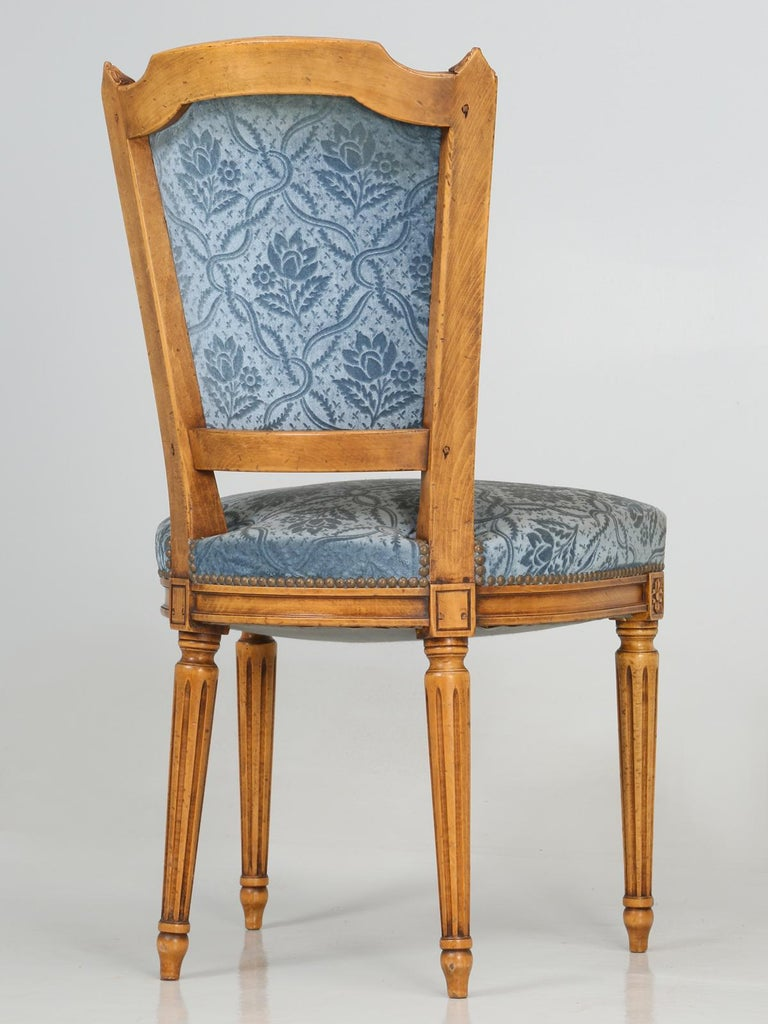 Vintage Set of Six Louis XVI Style Dining Side Chairs in Old Fabric For Sale 9
