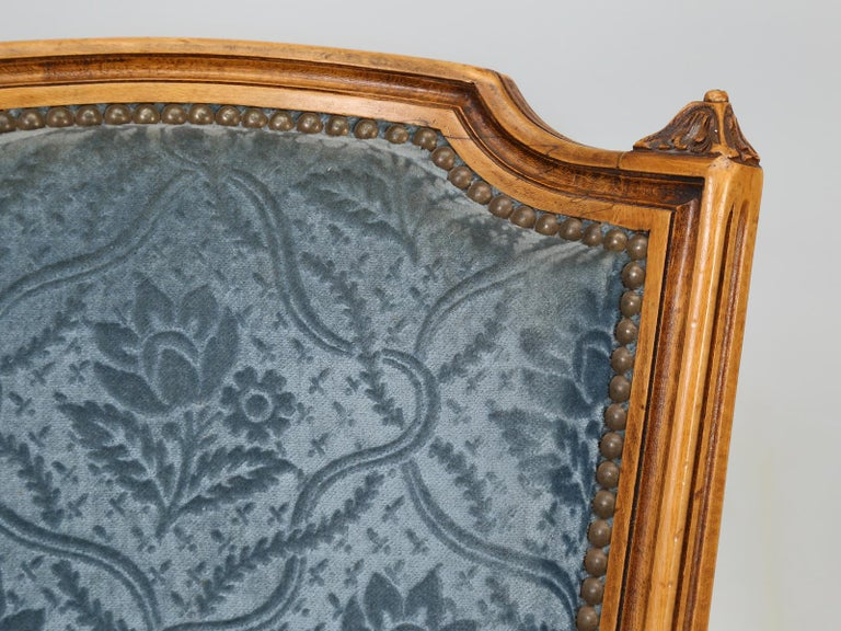French Vintage Set of Six Louis XVI Style Dining Side Chairs in Old Fabric For Sale