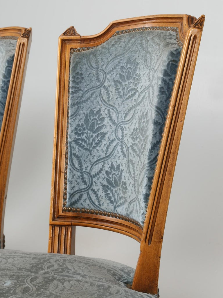 Vintage Set of Six Louis XVI Style Dining Side Chairs in Old Fabric In Good Condition For Sale In Chicago, IL