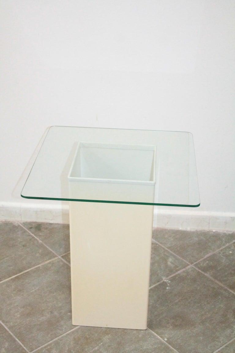 Plastic Vintage Side Table Design Kartell 1970s Signed For Sale