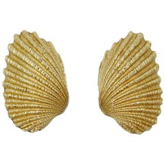 Vintage Signed Tiffany & Co. 14 Karat Yellow Gold Shell Earrings