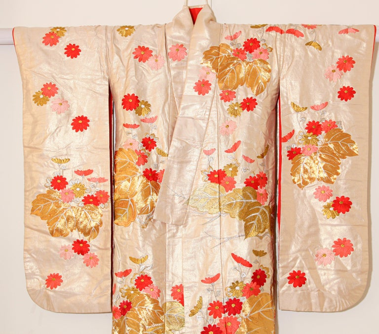 Vintage Silk Brocade Japanese Ceremonial Wedding Kimono For Sale 3