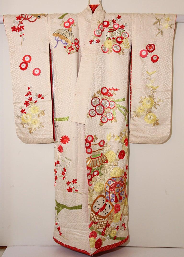 Vintage Silk Brocade Japanese Wedding Kimono For Sale 5
