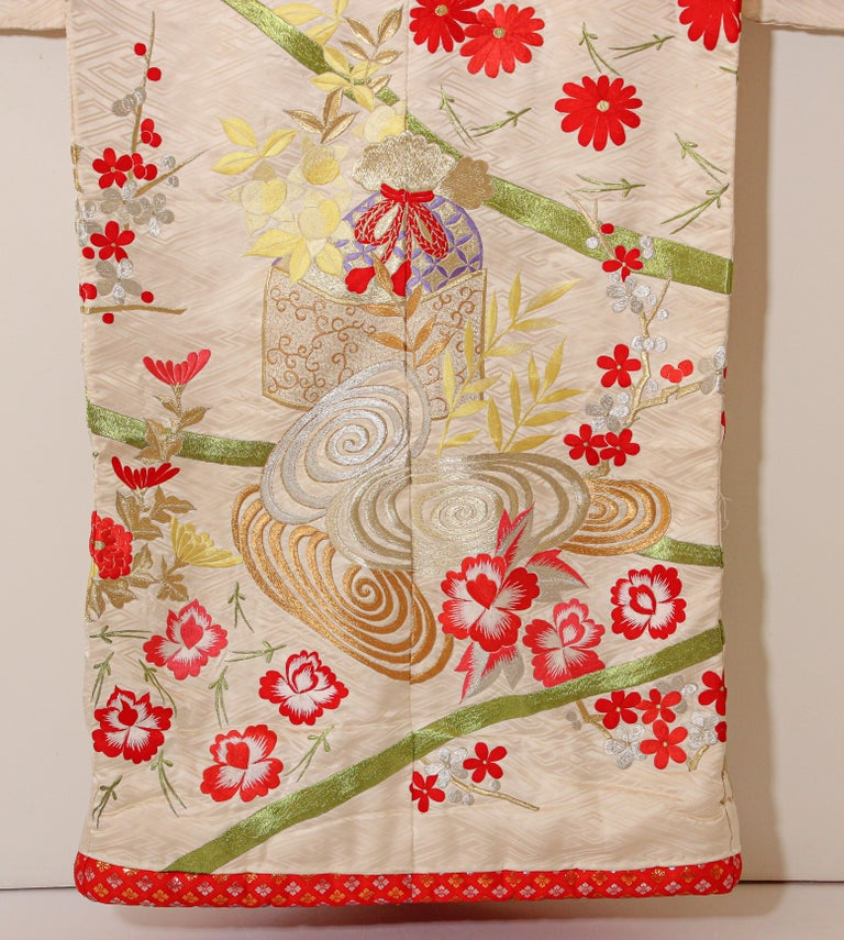 Vintage Silk Brocade Japanese Wedding Kimono For Sale 8