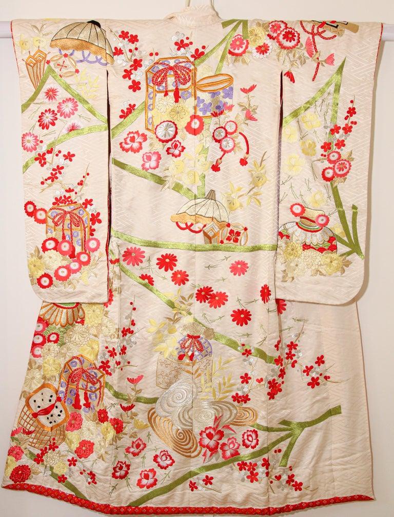 Vintage Silk Brocade Japanese Wedding Kimono For Sale 9