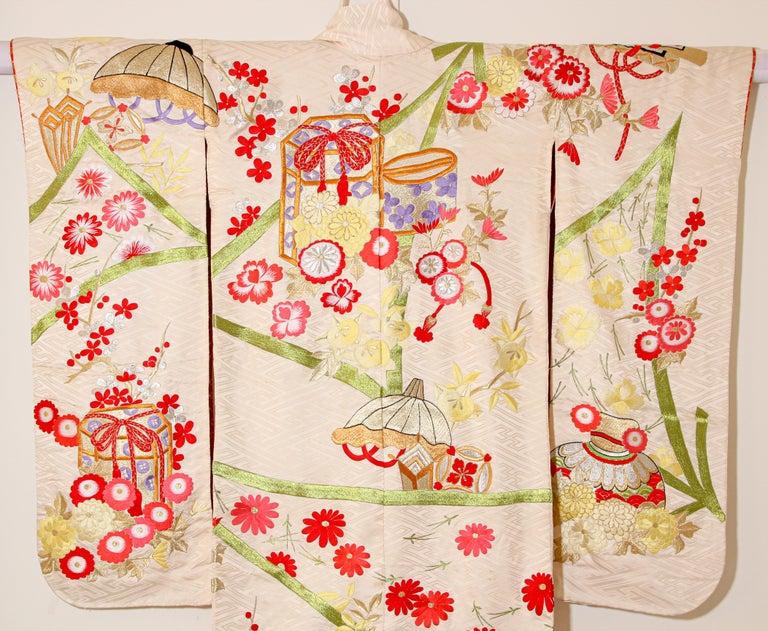 Vintage Silk Brocade Japanese Wedding Kimono For Sale 13