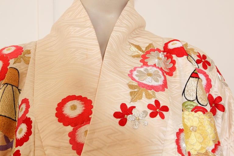 Vintage Silk Brocade Japanese Wedding Kimono For Sale 2