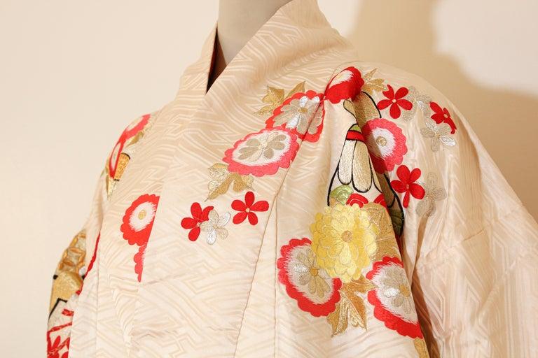 Vintage Silk Brocade Japanese Wedding Kimono For Sale 3