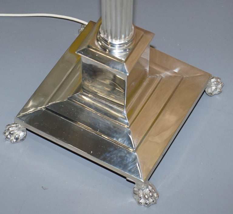 Vintage Silver Plated Corinthian Pillared Floor Standing Lamp Hairy Paw Feet In Good Condition For Sale In London, GB
