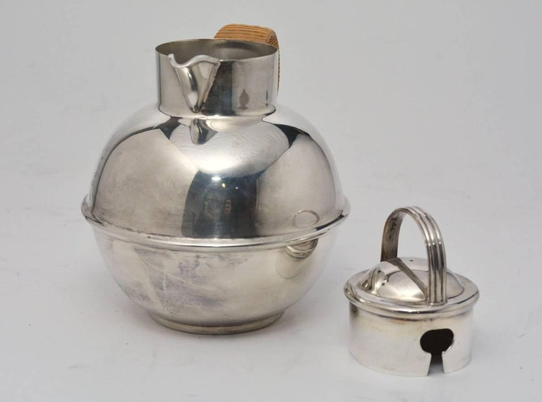 American Vintage Silver Plated Tea Pot with Lid For Sale