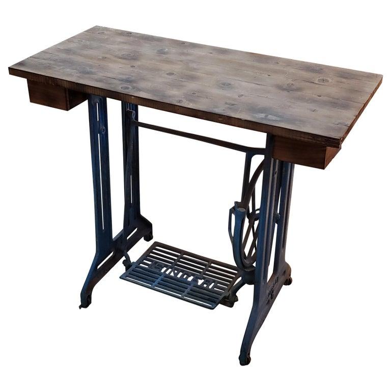 Vintage Singer Sewing Machine - Work Table