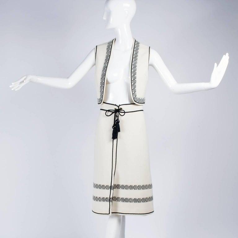 Vintage Skirt & Vest Suit in Ivory Wool Crepe W/ Black Trim & Tassel Belt France In Excellent Condition For Sale In Portland, OR
